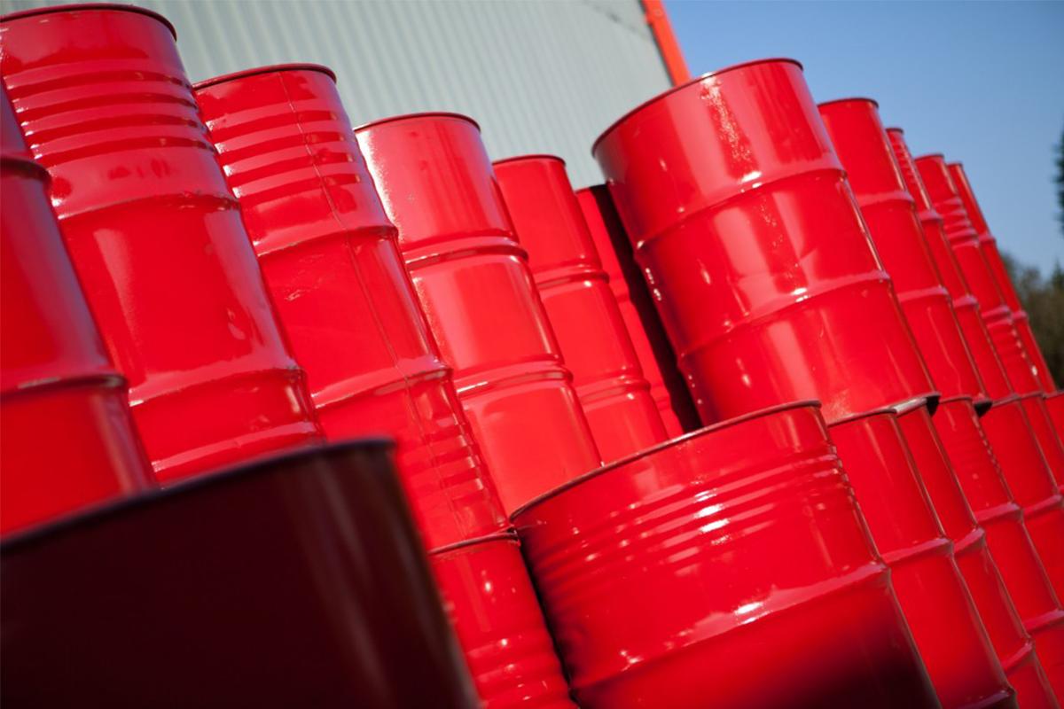 Dyed diesel fuel / red diesel barrels
