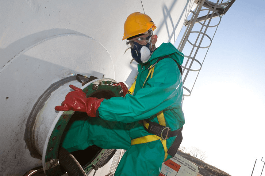 Fuel storage tank cleaning