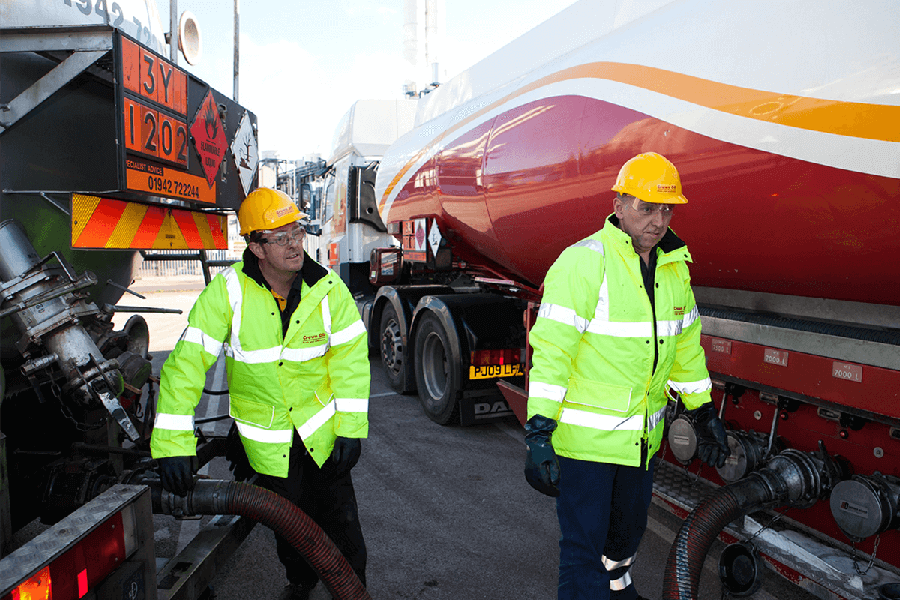 Crown Oil fuel uplift engineers